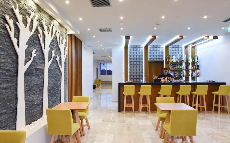 rhodes-faliraki-hotel-tsampika-rooms-studios-reception-bar (34)
