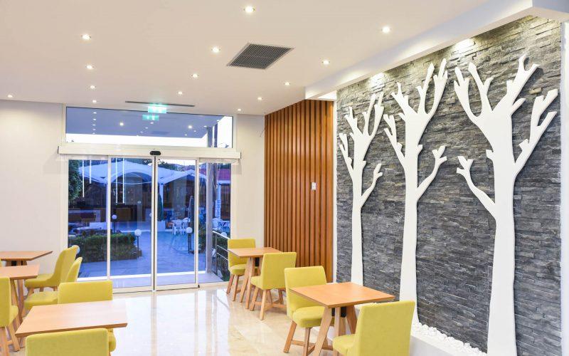 rhodes-faliraki-hotel-tsampika-rooms-studios-reception-bar (36)