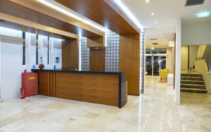 rhodes-faliraki-hotel-tsampika-rooms-studios-reception-bar (44)