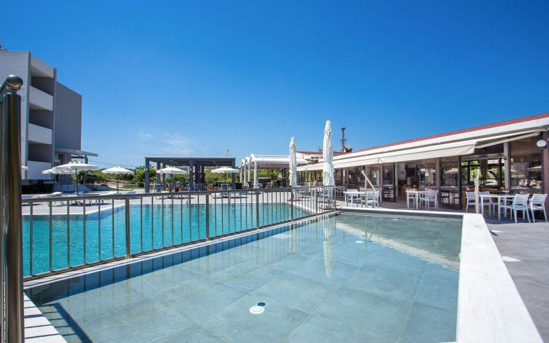 Outdoor Pool 2021 (1)